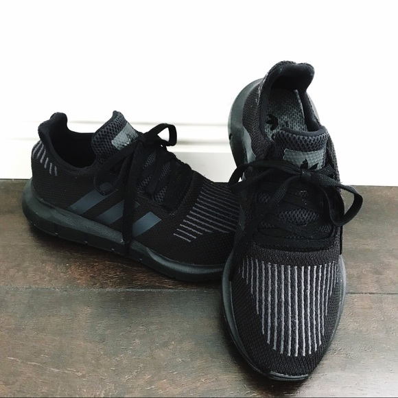 091e4f79aa0ab adidas Shoes - ADIDAS Swift Run